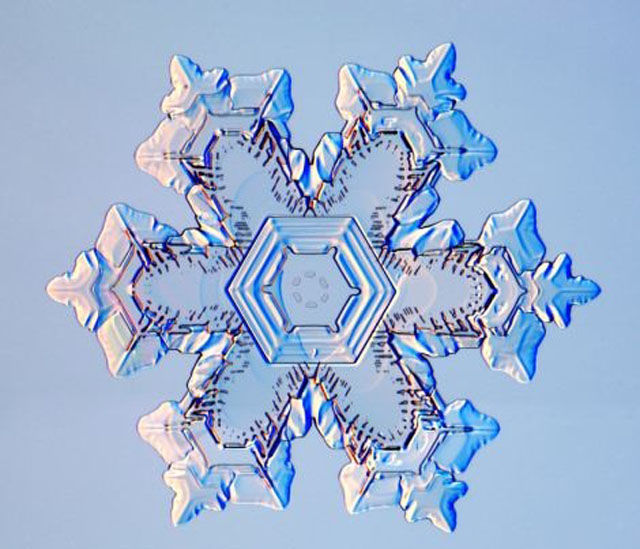 the_beauty_of_snowflakes_up_close_640_03