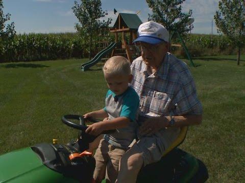 89-Year-Old Vet and Preschooler Reunite