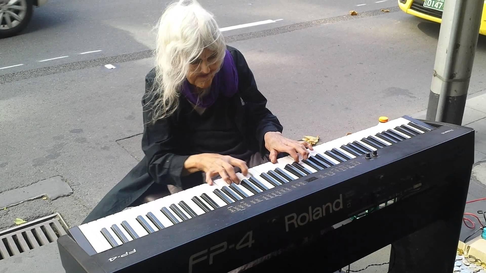 Melbourne Piano Street Performer