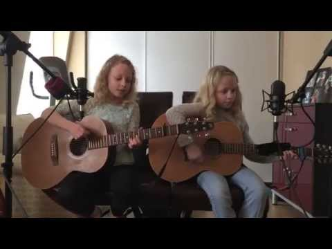 Twins Abby & Sarah – I'm Yours