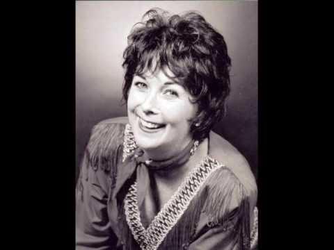 Patsy Cline – Crazy