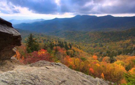 Scenic Time Lapse: Fall Foliage & Incredible Mountain Views