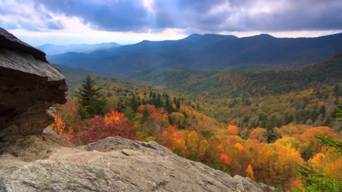 Scenic Time Lapse: Fall Foliage & Incredible Mountain Views