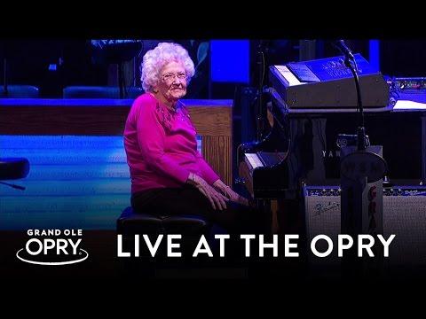 How Great Thou Art – Piano – 98 Yr Old Grandma