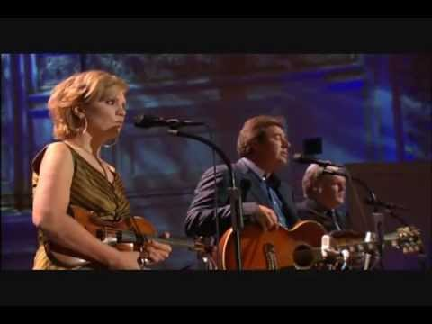 Go Rest High on That Mountain – Vince Gill, Alison Krauss, Ricky Skaggs
