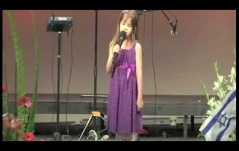 7-Year-Old-Sings-at-Grandfathers-Funeral-Wise-Beyond-Her-Years