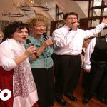 Bill & Gloria Gaither – When the Roll Is Called Up Yonder [Live]