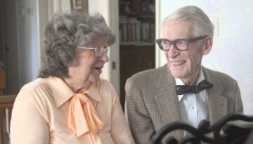 """Pixar's """"UP"""" in Real Life: 80-Year-Old Grandparents Celebrate Anniversary with Adorable Piano Duet"""