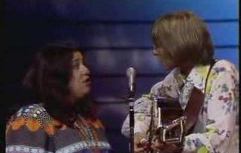 Leaving On A Jet Plane – John Denver & Cass Elliot (1972)