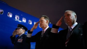 Southwest Captain Brings His Dad Home
