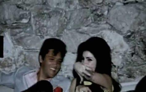 Elvis & Priscilla Presley – Young and Beautiful
