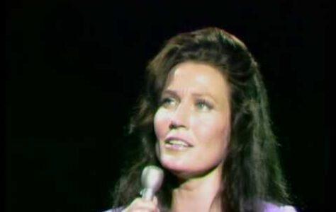 In The Garden – Loretta Lynn