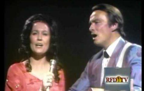 Loretta Lynn – The Old Rugged Cross