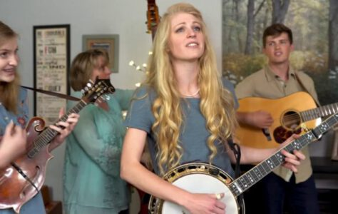 Jolene – Dolly Parton (Cover by The Petersens)