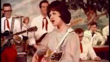 It Wasn't God Who Made Honky Tonk Angels – Kitty Wells