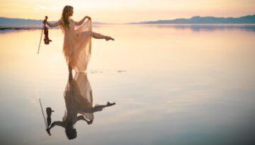 Angels We Have Heard On High – Lindsey Stirling