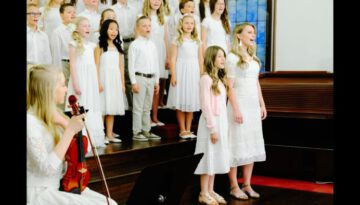 RISEN – New Easter song by Shawna Edwards