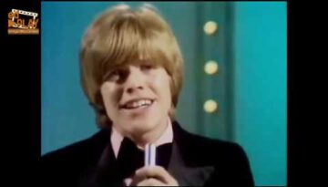 There's A Kind Of Hush – Herman's Hermits (Remastered)